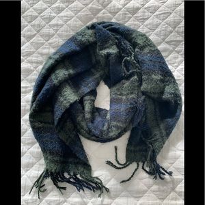 Abercrombie and Fitch Cozy Scarf